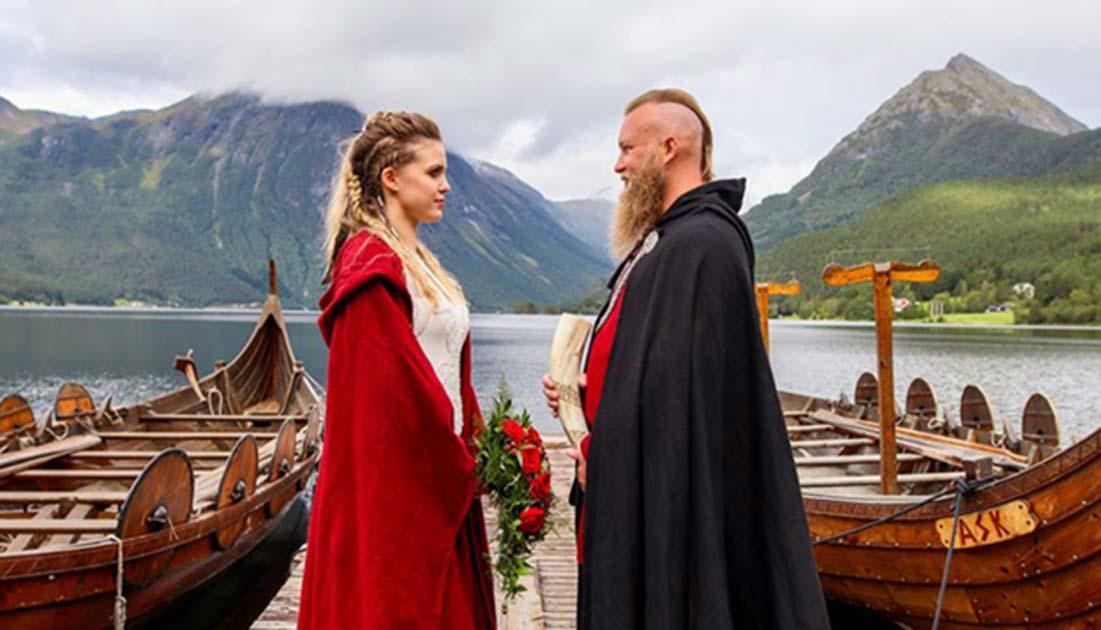 Vikingklær i bryllup